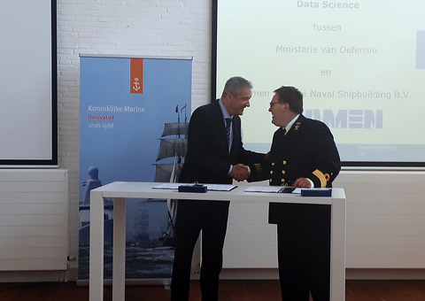 Commodore Peter Knipping (Director DMI, RNLN) and Jean Paul Claassen (Director Products and Proposals DSNS)